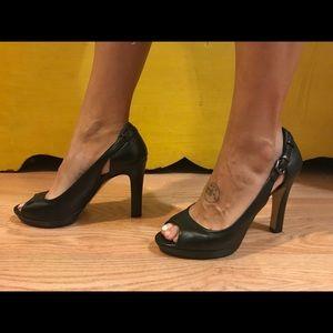 Vince Camuto Black Heels Size 8